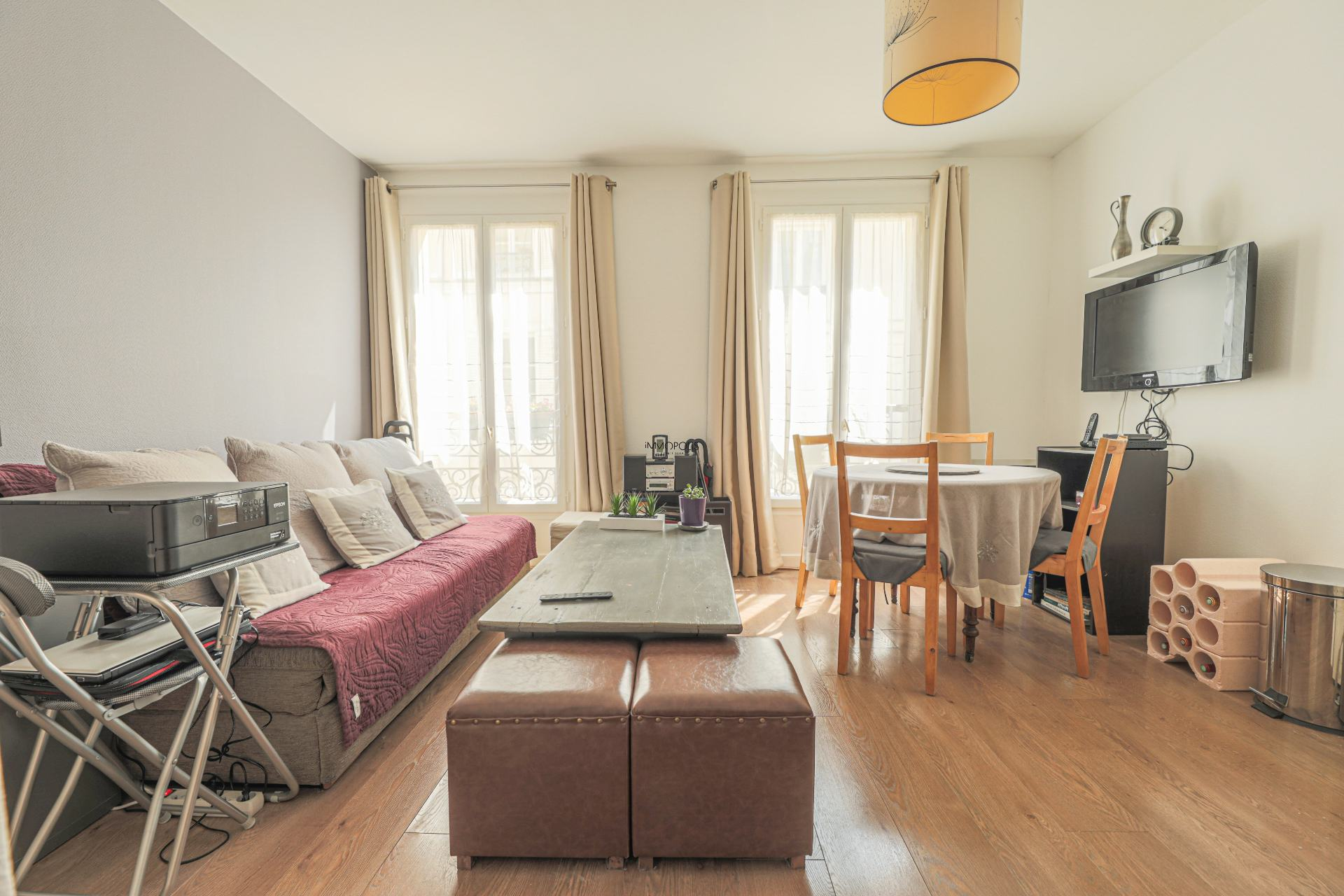 Beautiful 2 rooms Rue Berthe of 30 m2 in good condition with elevator and very compact plane 3