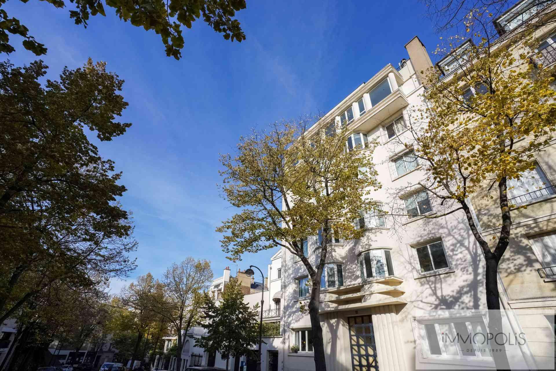 Junot Avenue in the heart of Montmartre. 3