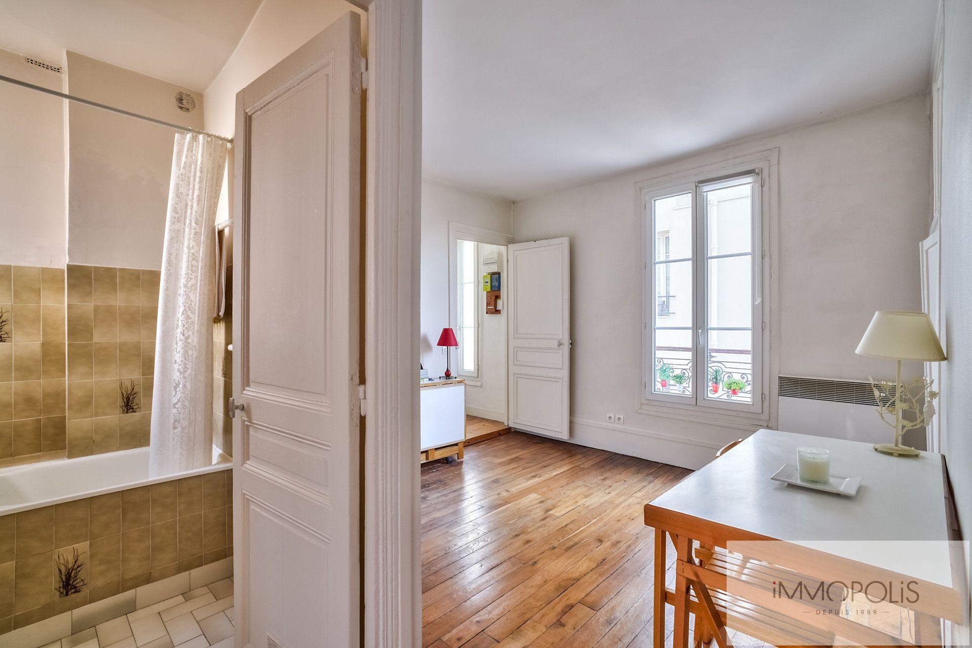 Junot Avenue in the heart of Montmartre. 6