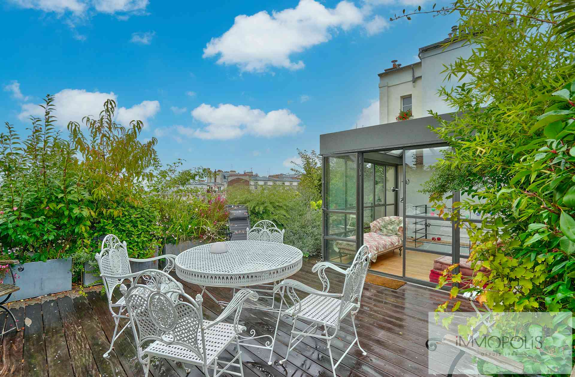 House in the heart of Montmartre with terraces. 1