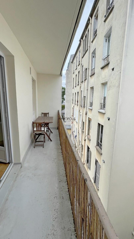Bien rare : en plein Montmartre studio en dernier étage sans vis à vis avec TERRASSE ! 4