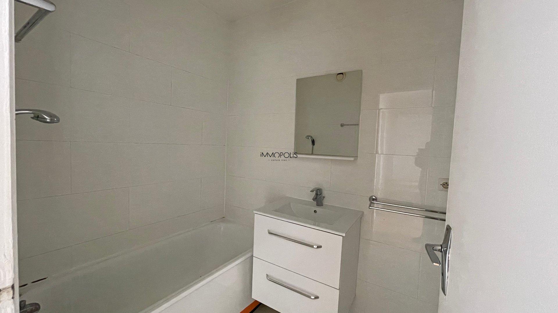 Appartement 3 pièces avec vue dégagée de 63.45m2 vendu avec un box ! 6