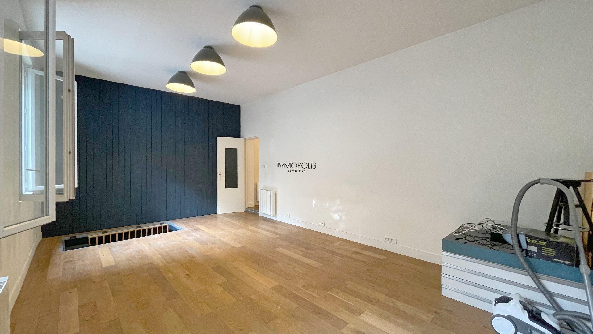 Saint Ouen, district Michelet / Dr. Bauer, in Rue Arboraée Quiet, magnificent souplex «like a house» 3