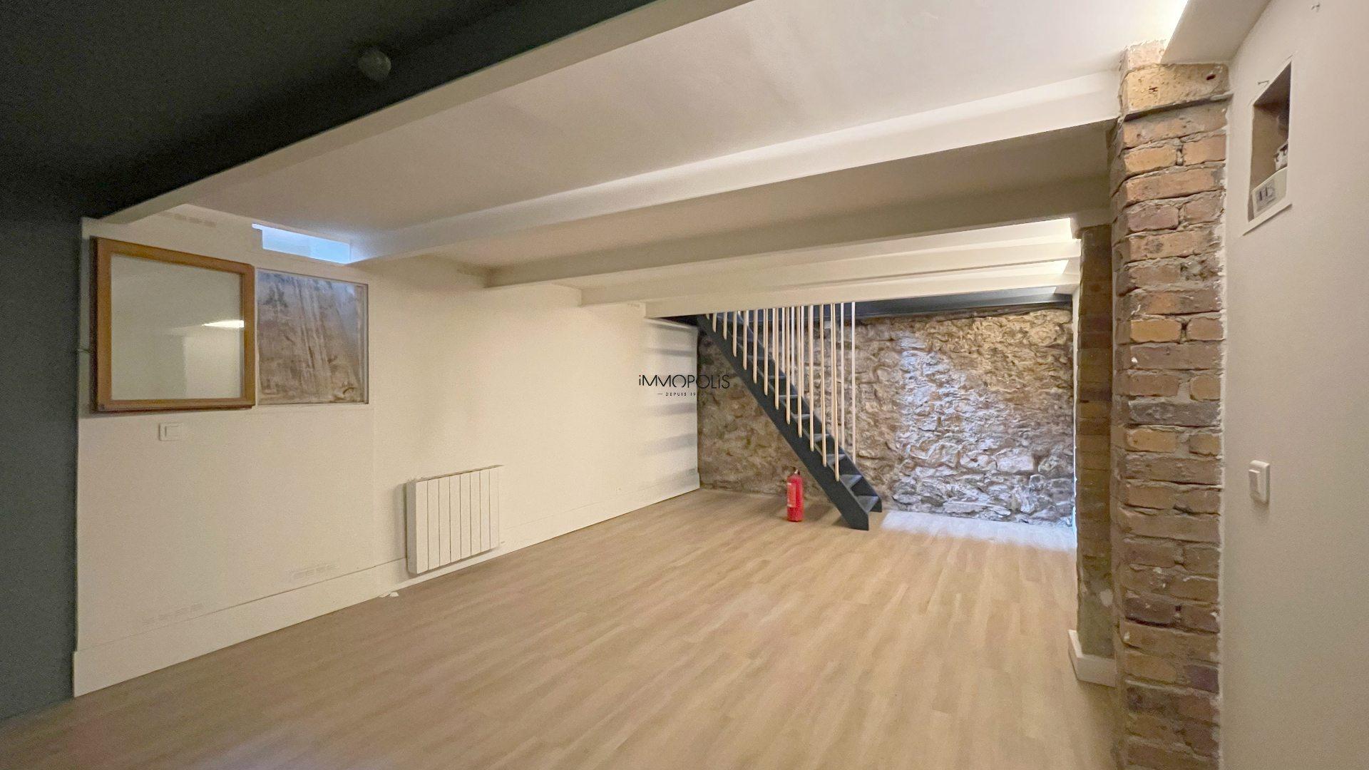 Saint Ouen, district Michelet / Dr. Bauer, in Rue Arboraée Quiet, magnificent souplex «like a house» 7