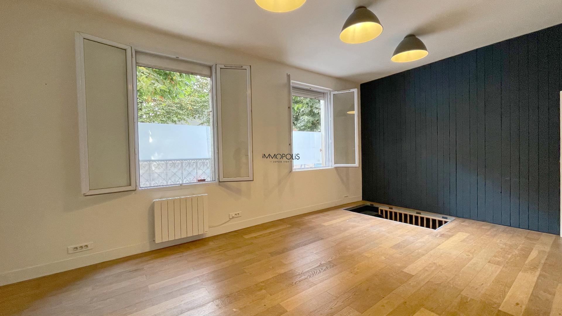 Saint Ouen, district Michelet / Dr. Bauer, in Rue Arboraée Quiet, magnificent souplex «like a house» 4