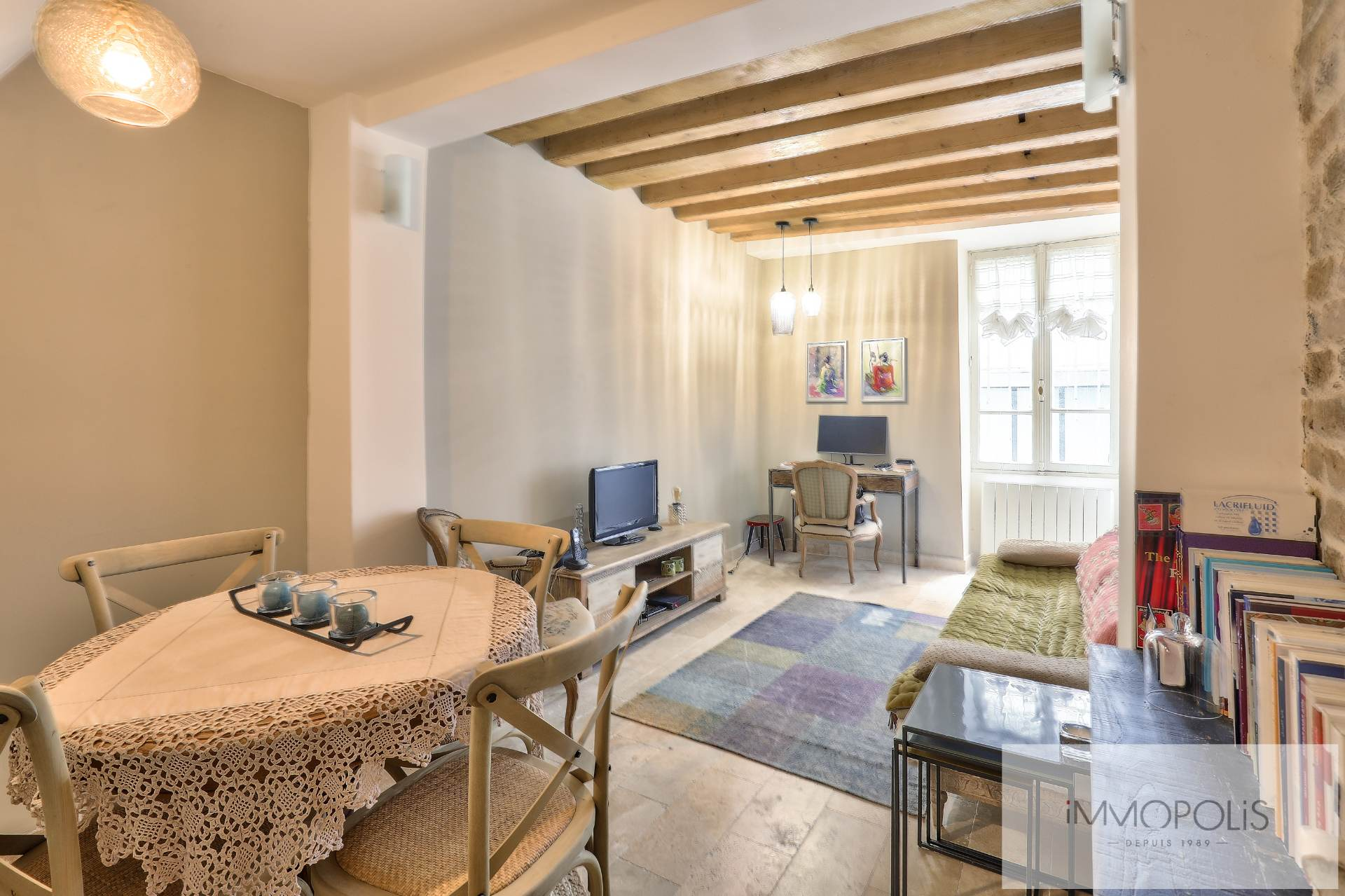 Montmartre, rue Gabrielle, beautiful 2 rooms completely renovated with stones, bricks and exposed beams: like a house! 2