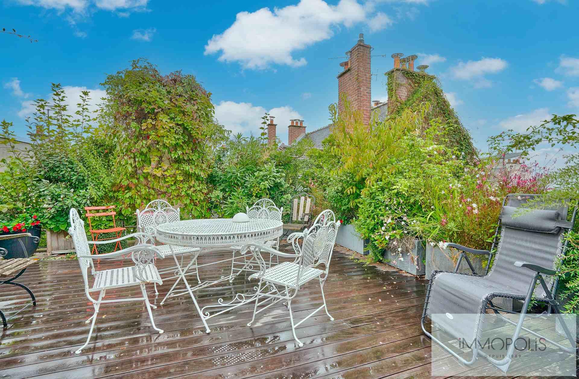 Maison en plein coeur de Montmartre avec terrasses. 1