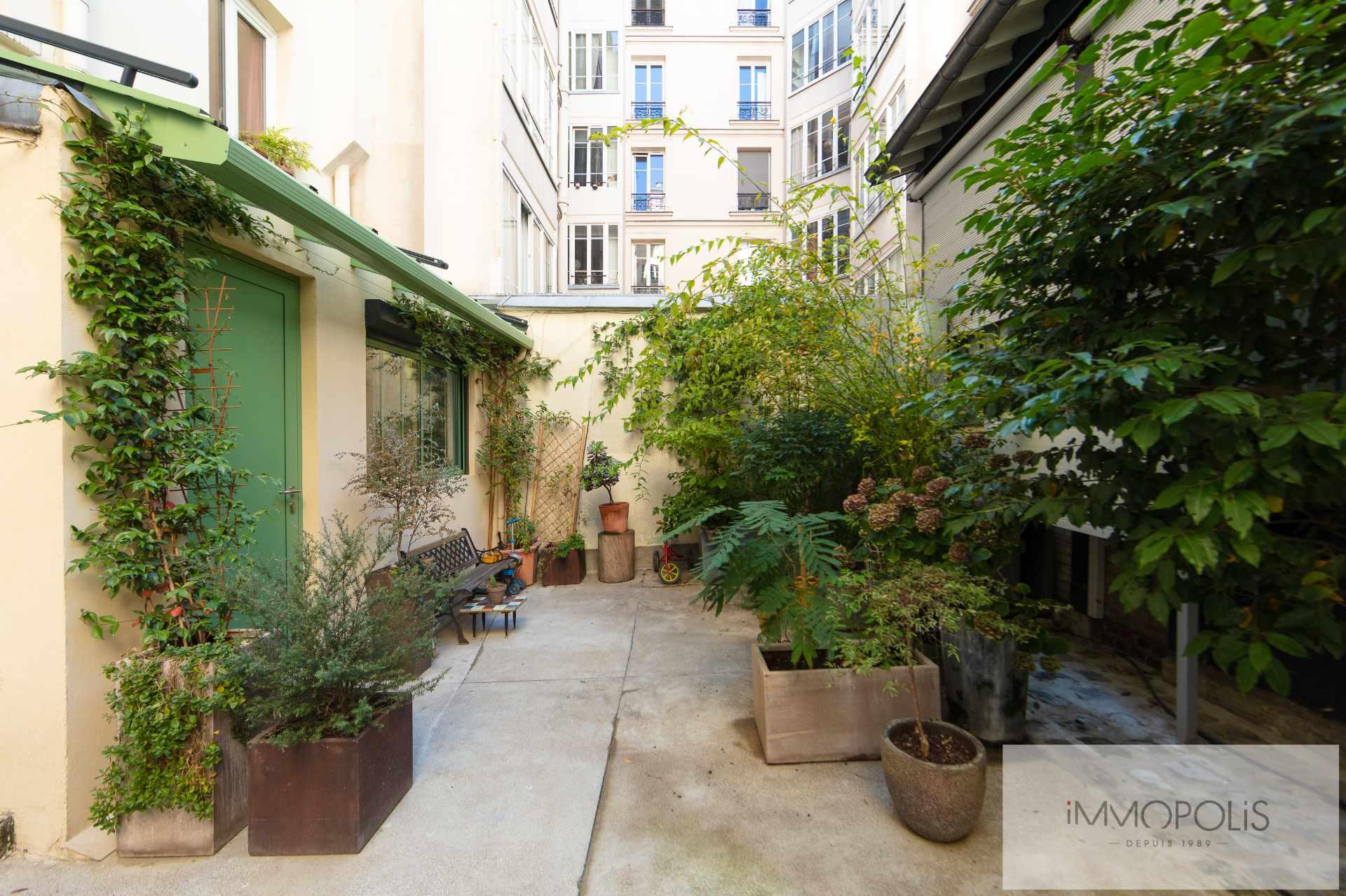 Un appartement atypique «esprit maison» avec  jouissance d'un extérieur ! 1