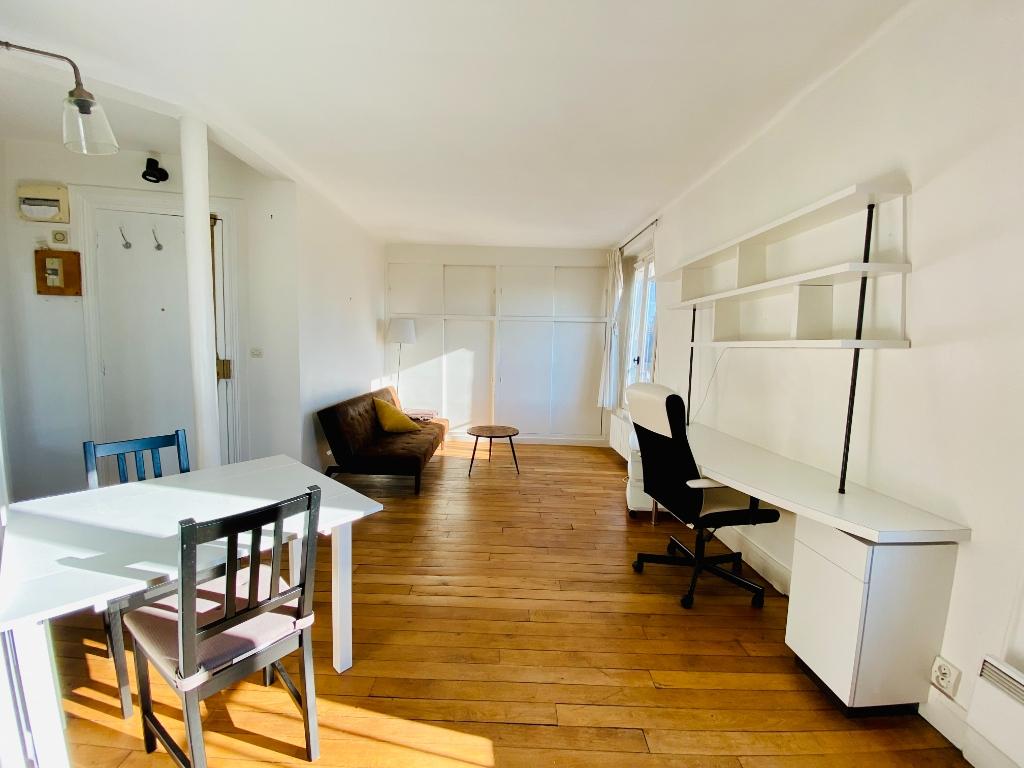Apartment Paris 18th 2 rooms 32.03 m² 1