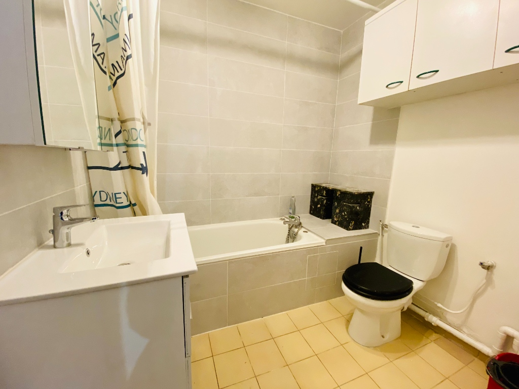 Apartment st denis – 1 room (s) – 31 m2 4