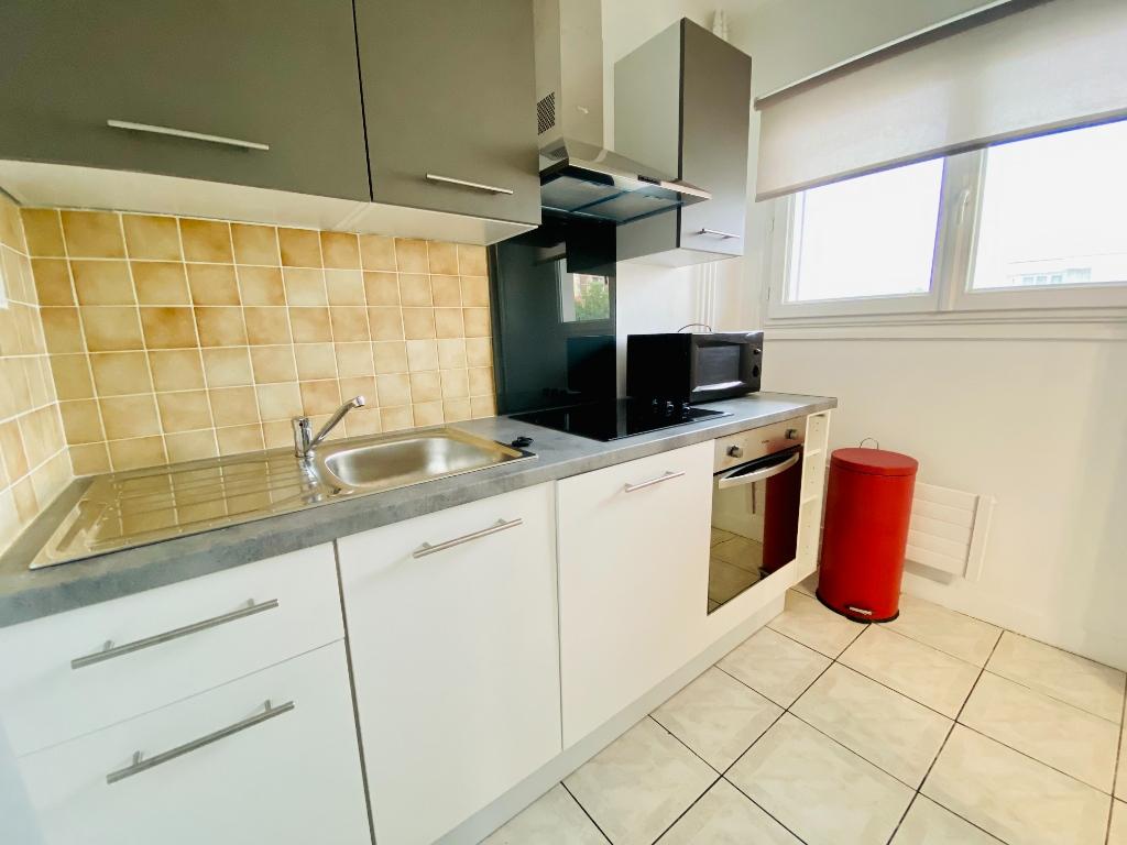 Apartment st denis – 1 room (s) – 31 m2 7