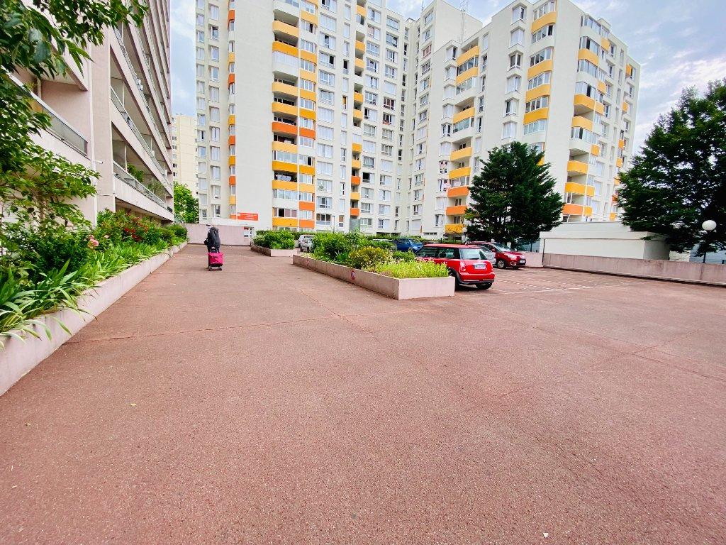 Apartment st denis – 1 room (s) – 31 m2 9