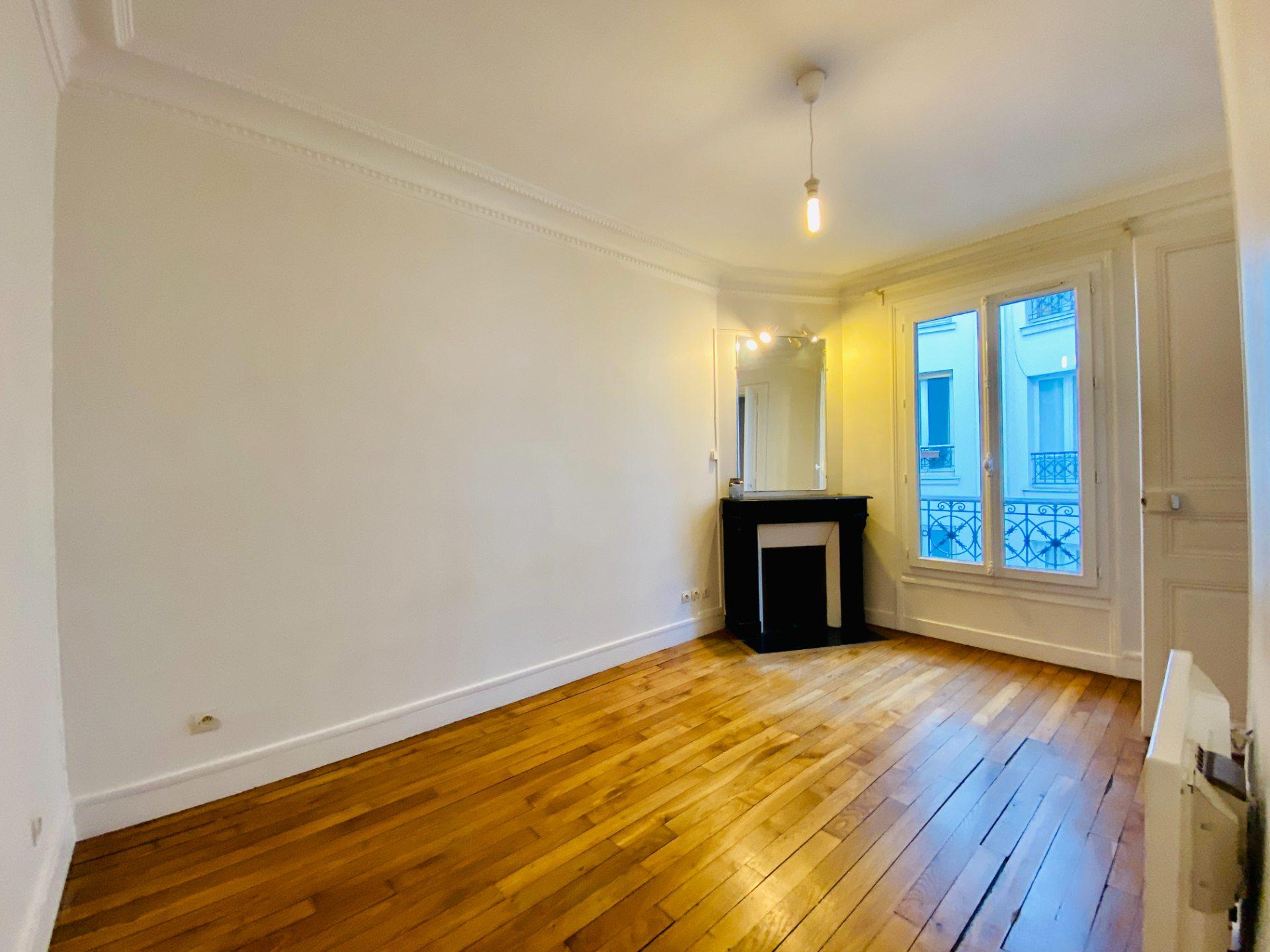 Apartment PARIS 18 – 2 room (s) – 37 m2 4