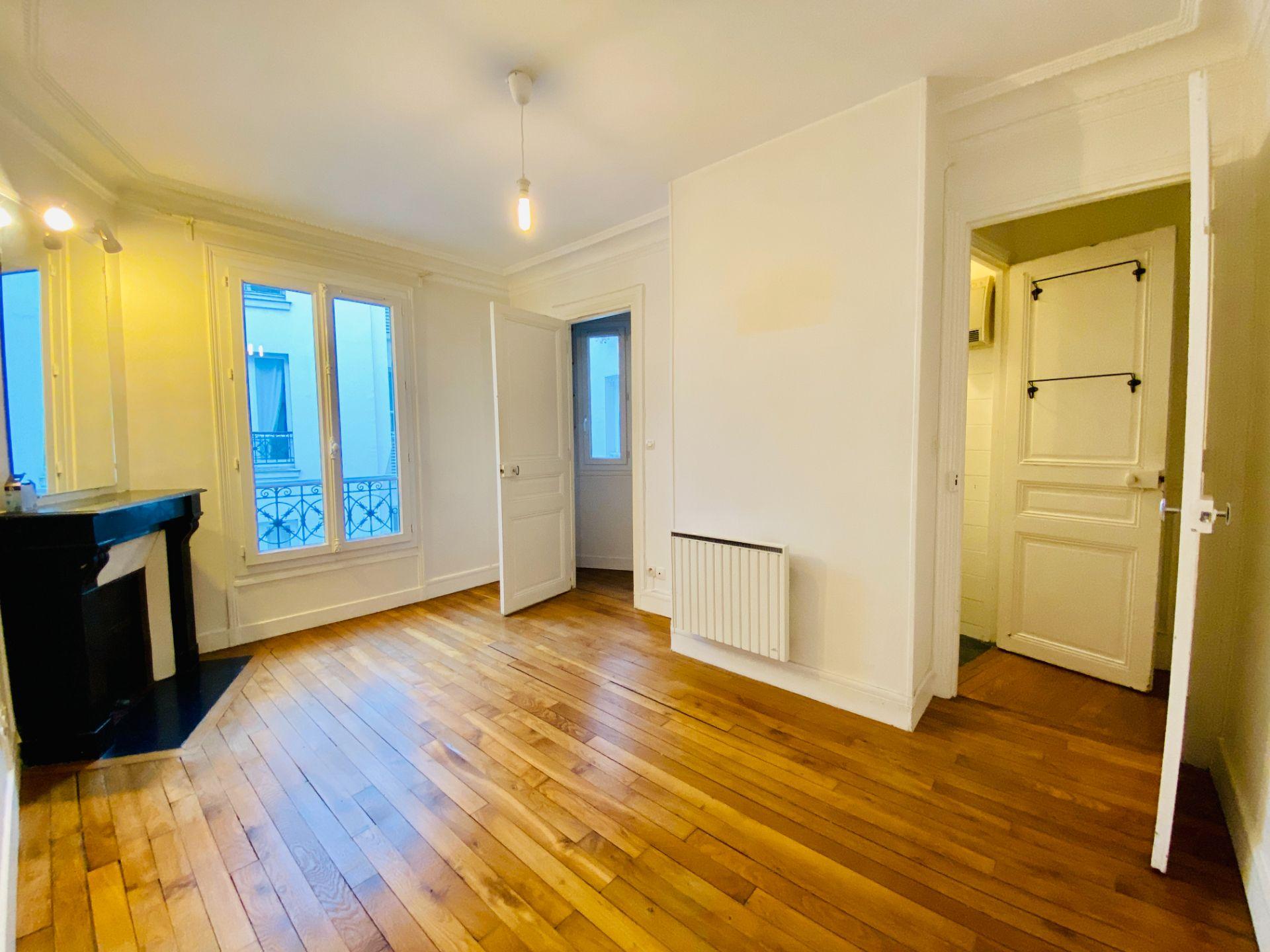 Apartment PARIS 18 – 2 room (s) – 37 m2 5