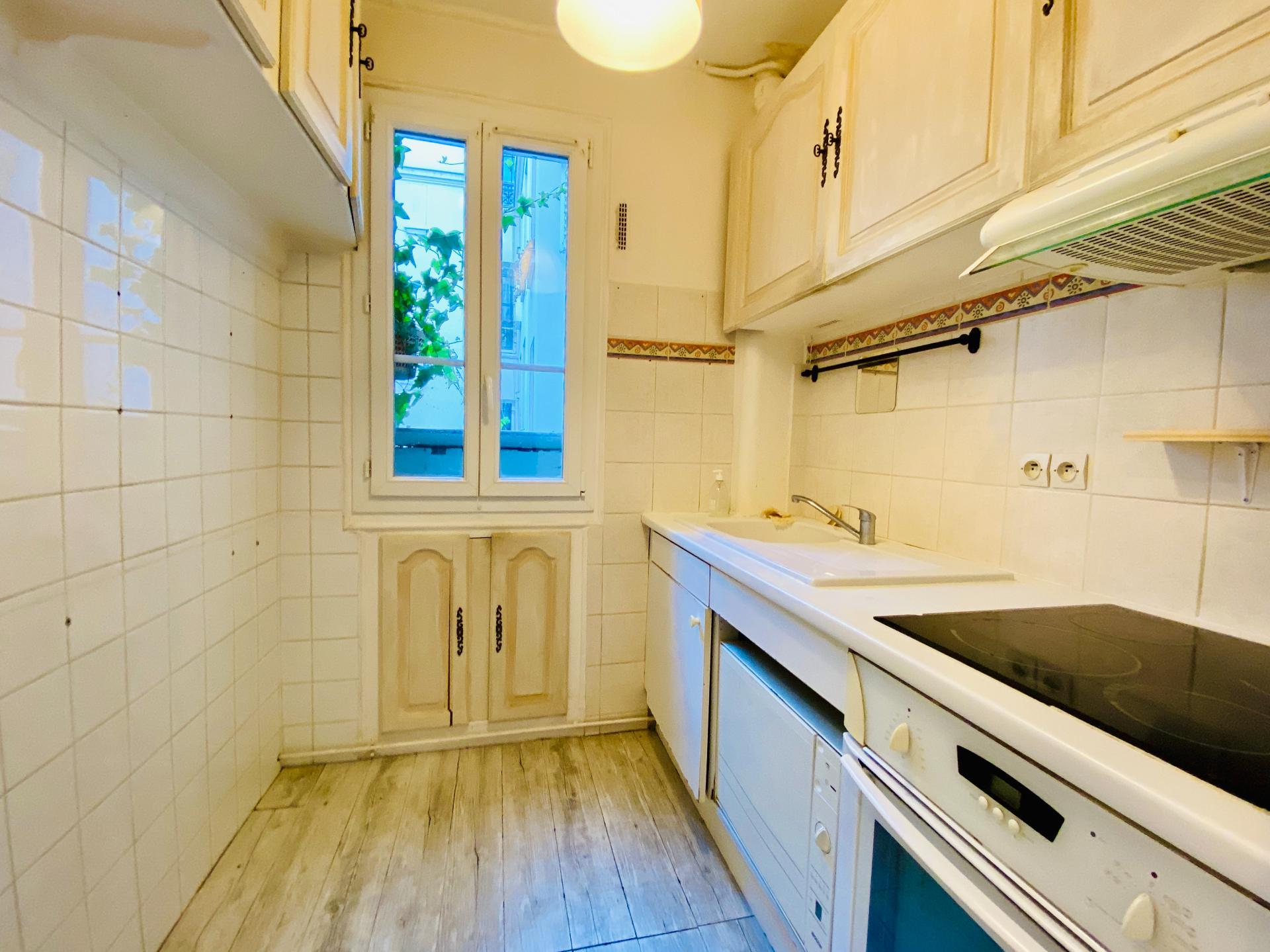 Apartment PARIS 18 – 2 room (s) – 37 m2 7