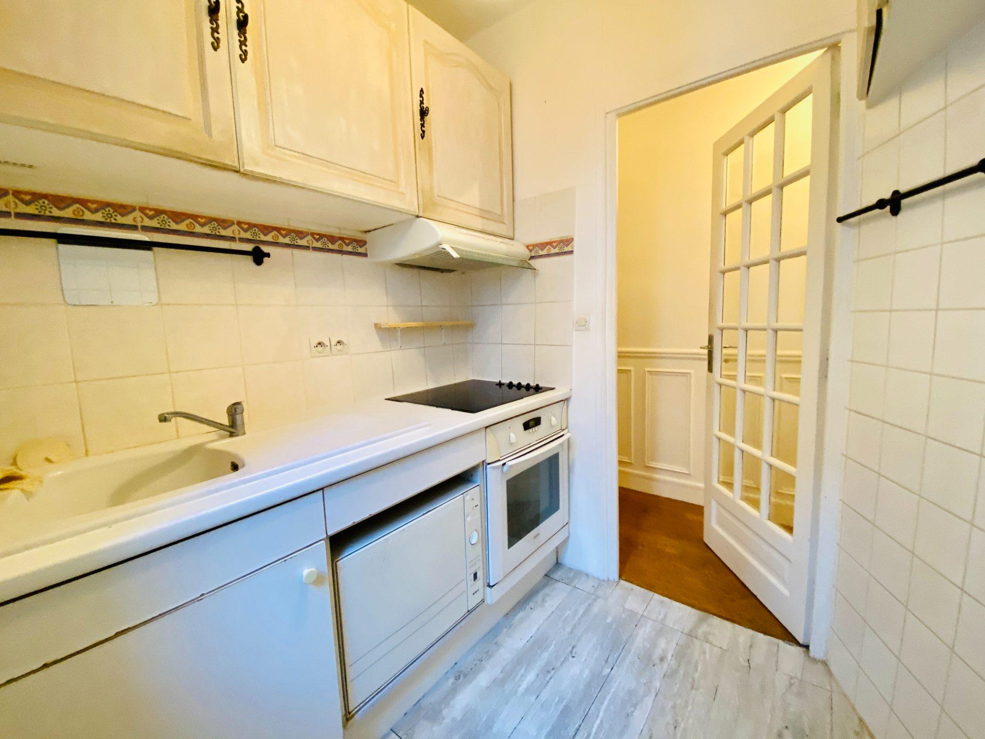 Apartment PARIS 18 – 2 room (s) – 37 m2 8