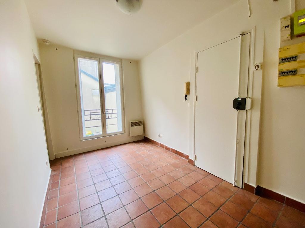 Montmartre 2P 26m² empty 2