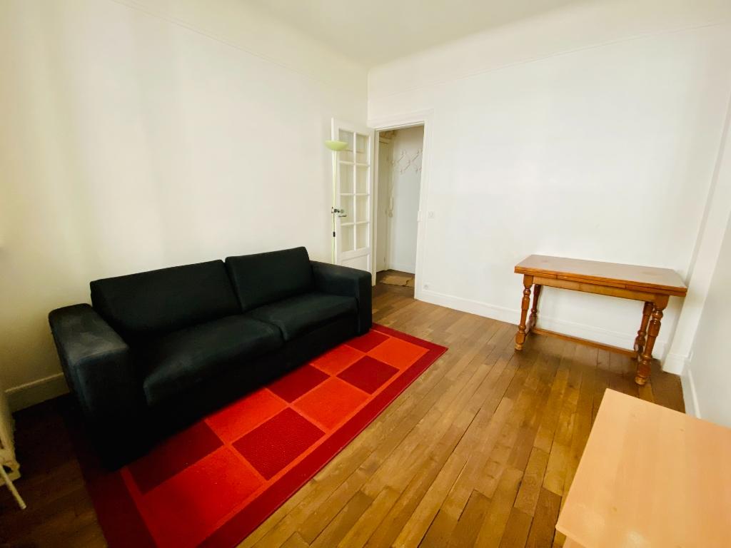 Paris 18 – Rue Chappe – 2 Pieces Furniture 1