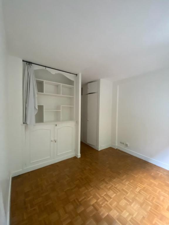 Apartment Paris 18 – 2 piece (s) empty – 38 m2 1