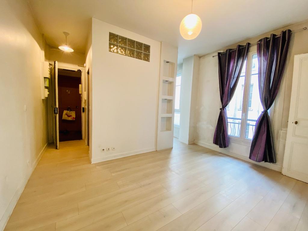 Apartment PARIS 18 – 2 room (s) – 31 m2 1