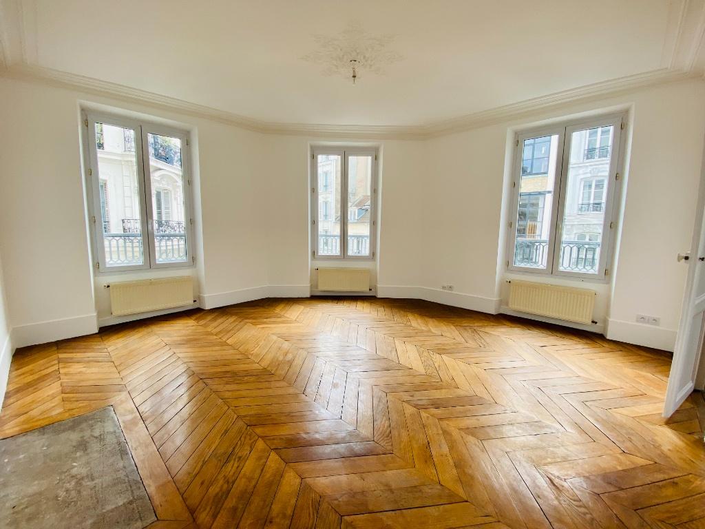 Paris 18 – 3 piece (s) – 70 m2 1