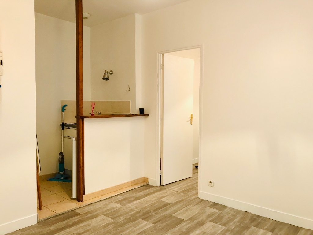 Apartment Paris 18 – 2 piece (s) – 24,14 m2 1