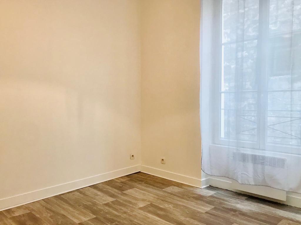 Appartement PARIS 18 – 2 pièce(s) – 24,14 m2 4