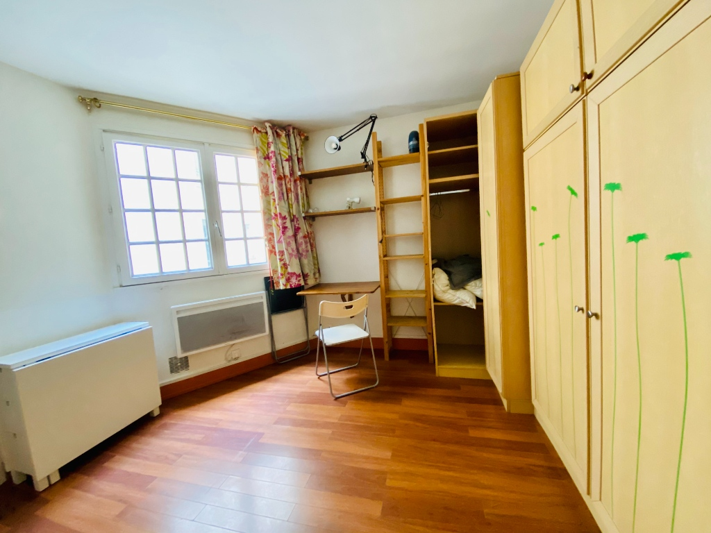 In the heart of Abbesses- Studio 15 m² 1