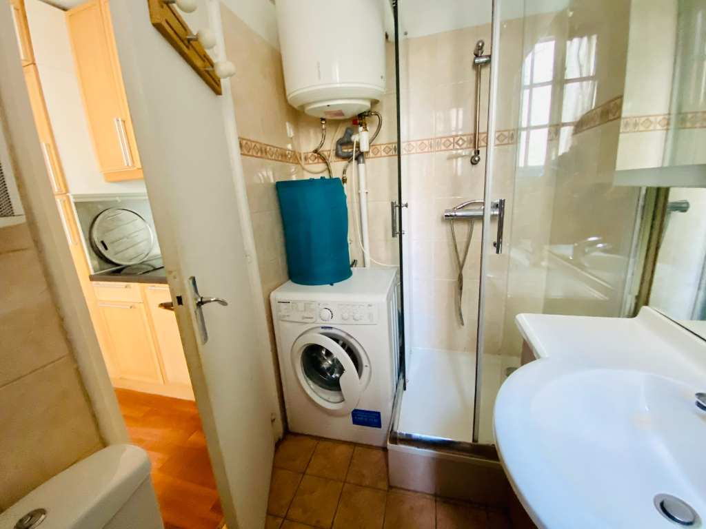 In the heart of Abbesses- Studio 15 m² 4